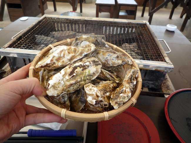 豊久丸 岐志漁港の牡蠣小屋 みるく牡蠣