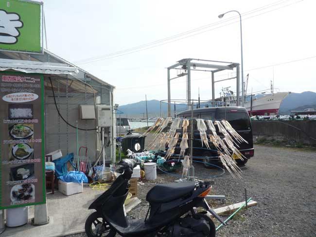 ケンちゃんカキ 船越漁港の牡蠣小屋 イカタワー