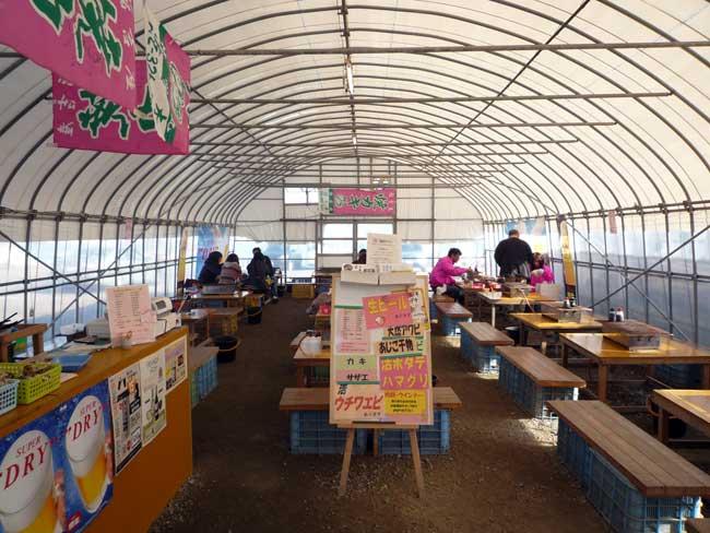 伸栄丸(佐々木) 福吉漁港の牡蠣小屋 店内